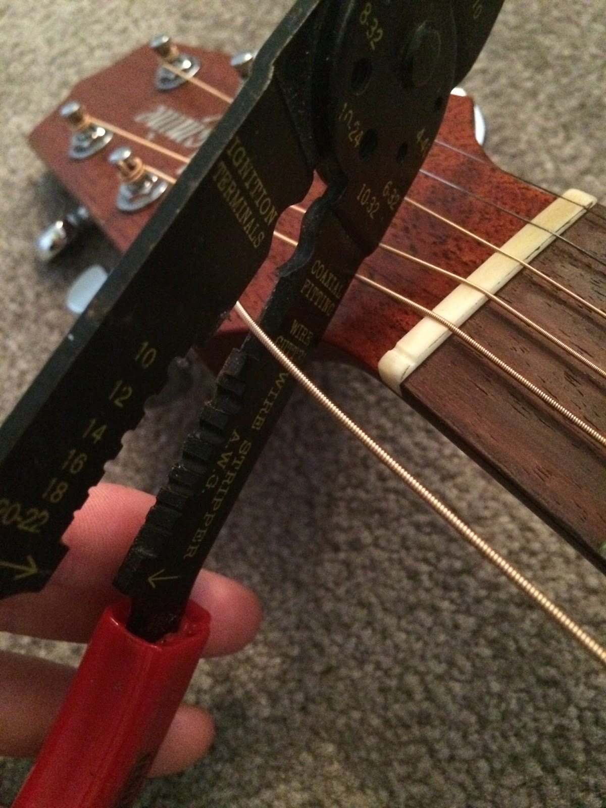 delayed distortion how to change guitar strings part two. Black Bedroom Furniture Sets. Home Design Ideas