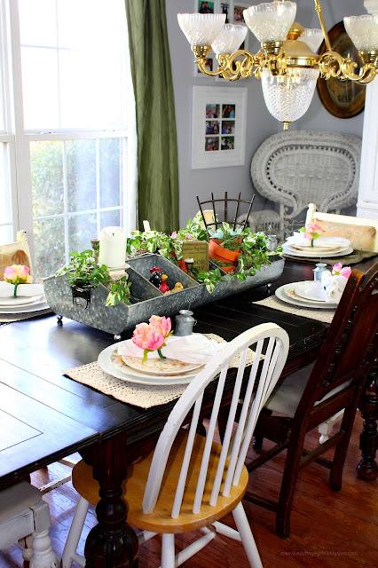 Farmhouse decor, cottage style,