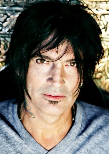 Foto de Tommy Lee con barba