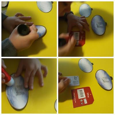 4 fotos de niño (pixelillo) usando pegamento para unir imanes y etiquetas