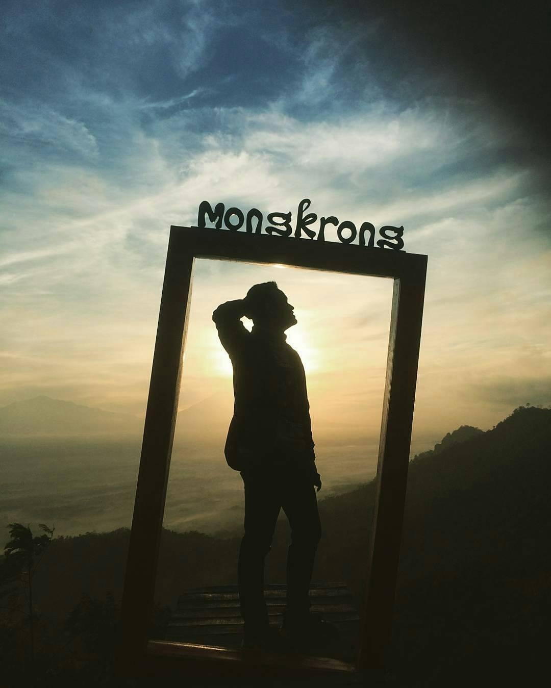 Lokasi dan Harga Tiket Masuk Punthuk Mongkrong - Wisatainfo