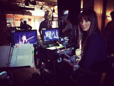 Troian Bellisario (Spencer) directing PLL episode 7x15
