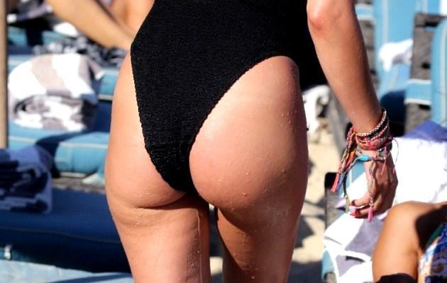 Στις παραλίες πιο… Kαυτή από ποτέ η Ράνια Κωστάκη! (ΦΩΤΟ)
