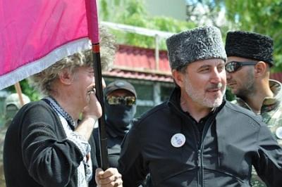 Не прошло и года: приставы опечатывают имущество главаря блокады Крыма