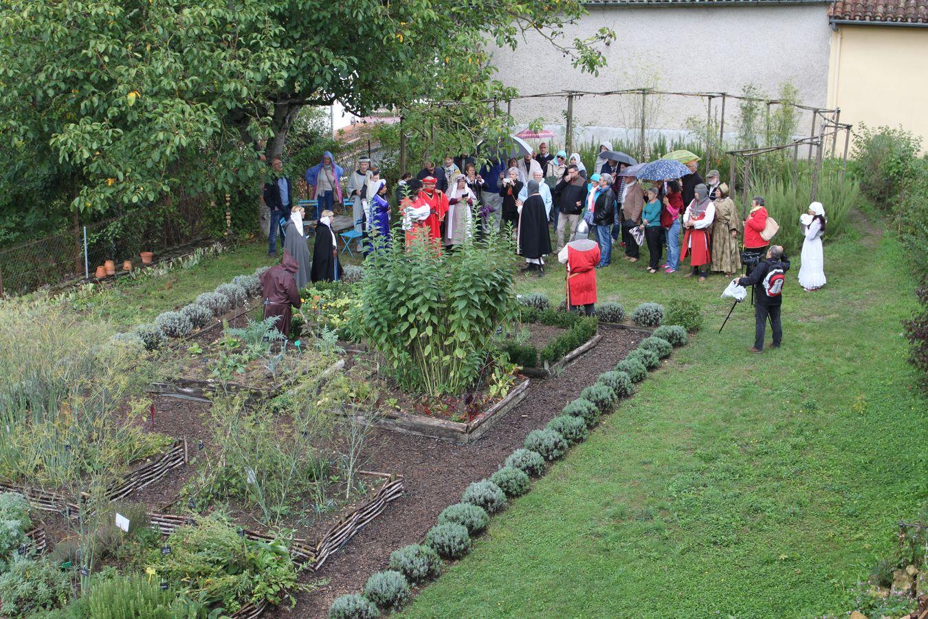 Les amis du prieur de monsempron les journ es du for Au jardin by les amis