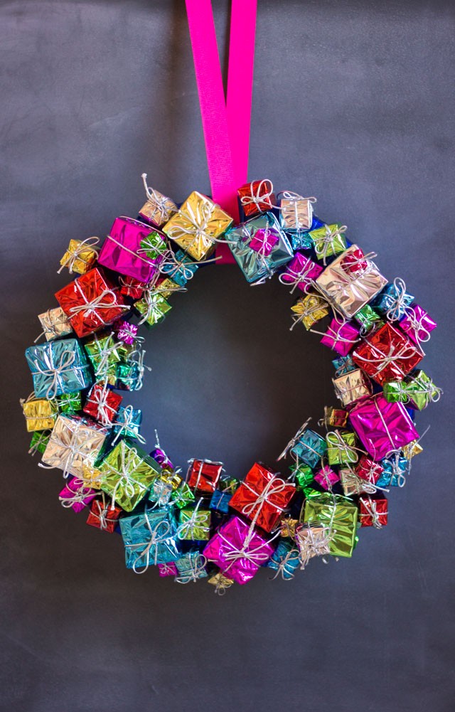 DIY Mini Present Christmas Wreath