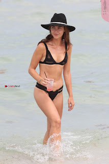 Victoria-Edwards-Hot-in-a-Bikini-in-Miami-Beach-12+%7E+SexyCelebs.in+Exclusive.jpg