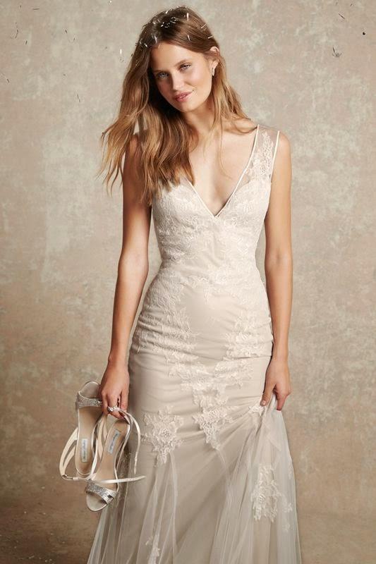 8529ae28f4 Jest to kolekcja delikatna i klasyczna. Piękne suknie w odcieniu bieli i  szampana ze srebrnymi akcentami i koronkami. Czytaj więcej. Suknie ślubne La  Mania