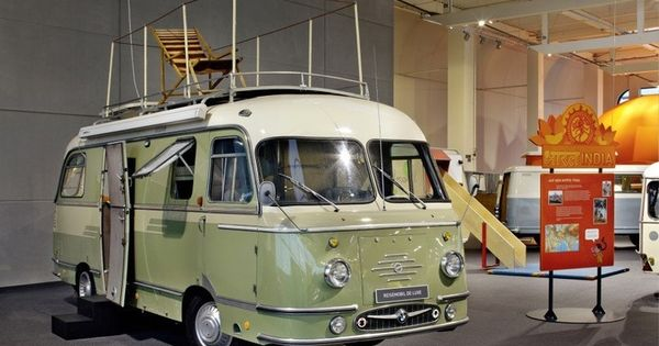 Retro Glamper. Mikafa de luxe. 50's. Erwin-Hymer-Museum (Museo Erwin Hymer
