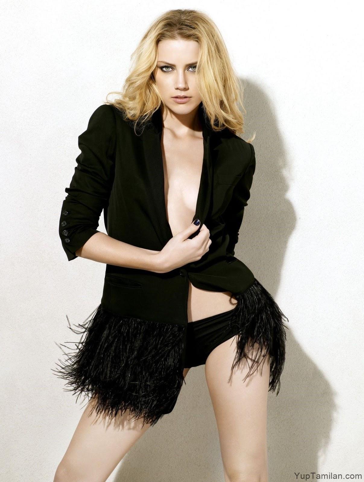 Amber Heard Sexy Bikini Photos