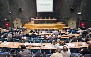 Αναβολή της αυριανής συνεδρίασης του Περιφερειακού Συμβουλίου Αττικής σε ένδειξη διαμαρτυρίας για τα νέα μέτρα ζητούν οι δύο μεγαλύτερες αντιπολιτευόμενες παρατάξεις