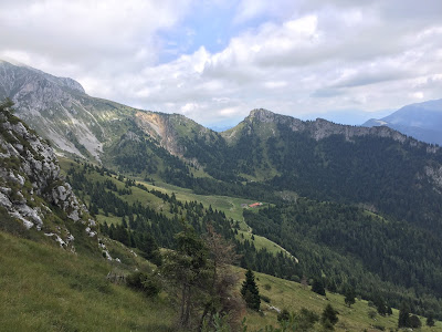A view from trail 327 east toward Malga della Presolana.