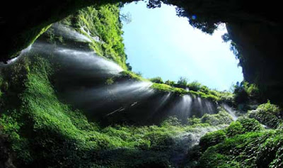 Air Terjun Madakaripura Gunung Bromo