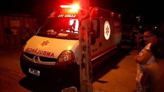 Em São Vicente do Seridó camioneta invade calçada e atropela criança de três anos