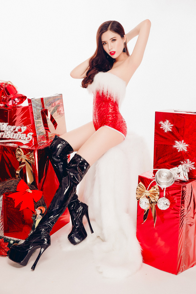 Merry Christmas with Khanh Phuong