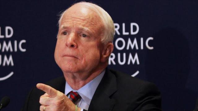 McCain llama a derribar cazas rusos y sirios