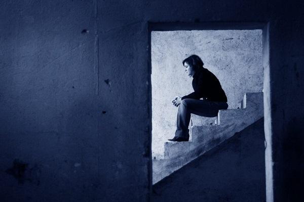 Ξεκόλλα πια άνθρωπε από τη δυστυχία σου...Όλα αυτά σε οδηγούν στο λήθαργο…