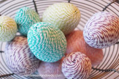 uovo con filo colorato fai da te