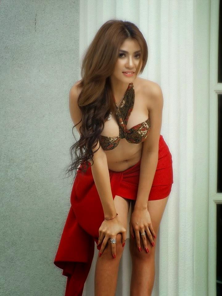 Image Result For Ayunia Elfahrez Seksi Photoshoot Batik
