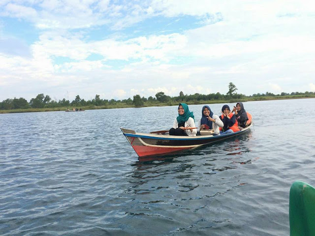 Warga Kecamatan Cempaka sangat berkeinginan, lahan yang kini dijadikan objek wisata Danau Seran, segera diambil alih oleh Pemerintah Kota Banjarbaru. Dengan begitu, warga pun bisa mengelolanya.