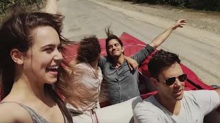 """Cena do filme """"Sobre Viagens e Amores"""""""