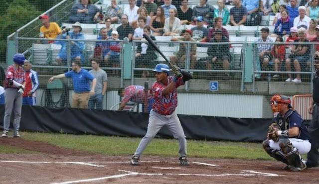 Equipo Cuba juvenil en la liga Junior Elite de Québec. FOTO: Julie Catudal, la Voix de l'Est