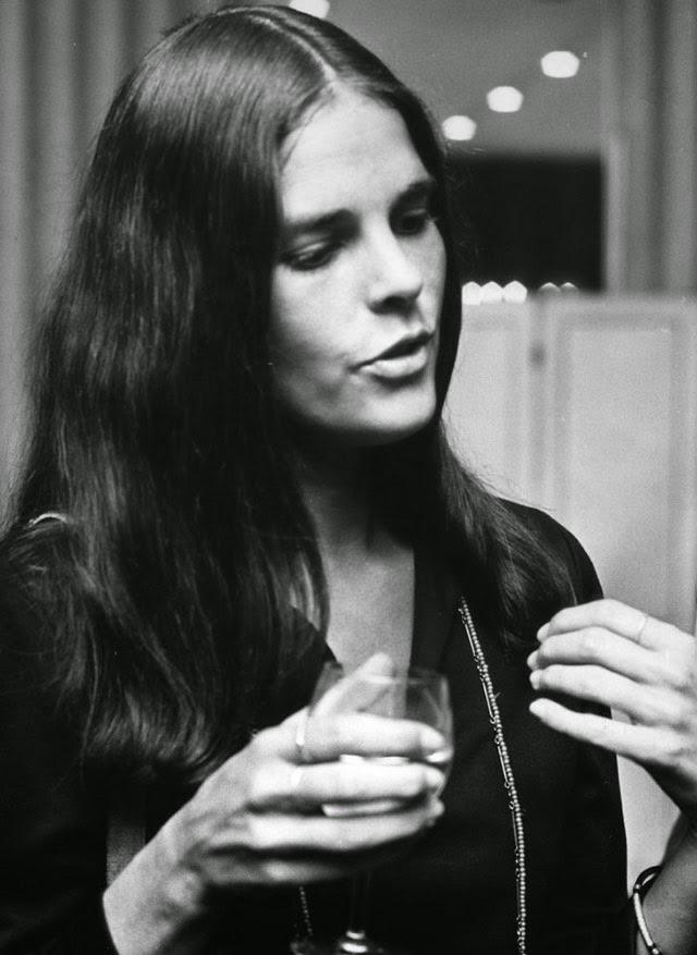 20 Beautiful Black Amp White Photos Of American Actress Ali