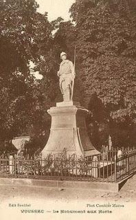 CPA monuments aux Morts de l'Allier, Voussac
