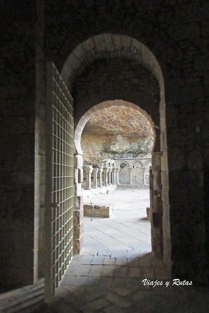 Puerta mozárabe del Monasterio de San Juan de la Peña