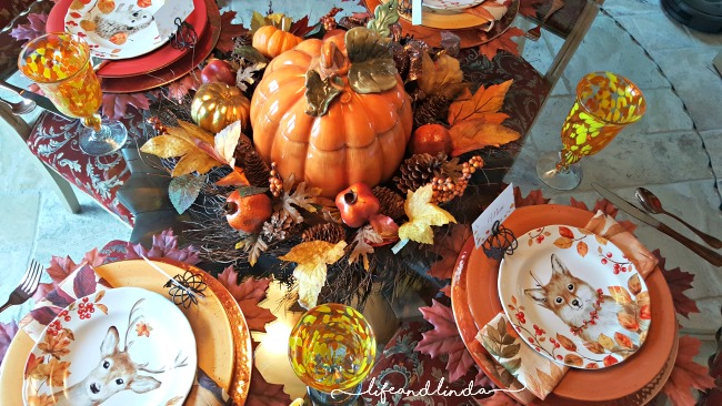 lovely Thanksgiving table www.lifeandlinda.com