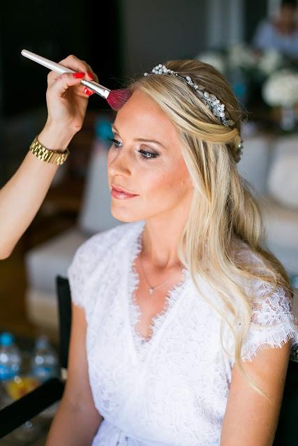 17 Stunning Wedding Hairstyles You'll Love