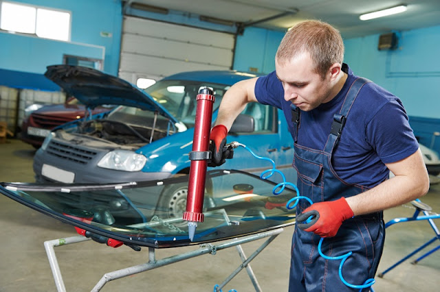 What Are the Valuable Services Performed by Modern Glass Repair Specialists?