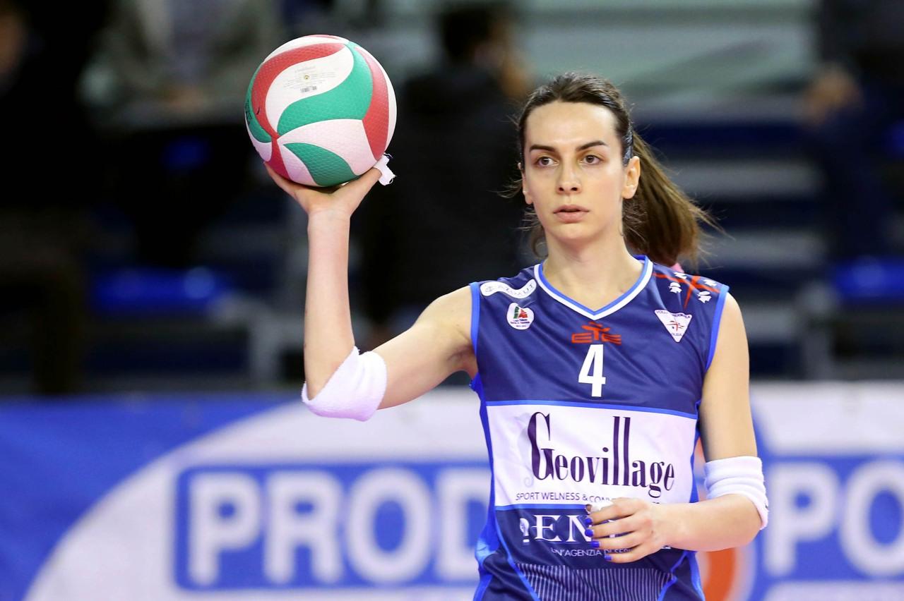 Transexual, Alessia Ameri, estreia em time feminino de vôlei na Itália