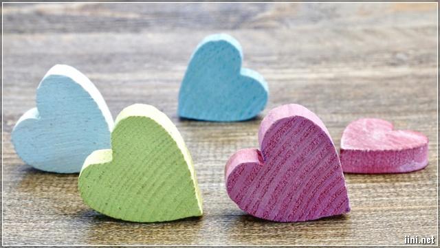 ảnh hình trái tim nhiều sắc màu