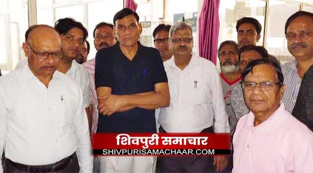 नवनियुक्त कायस्थ समाज के दर्जन पदाधिकारीयों ने किया रक्तदान | Shivpuri News