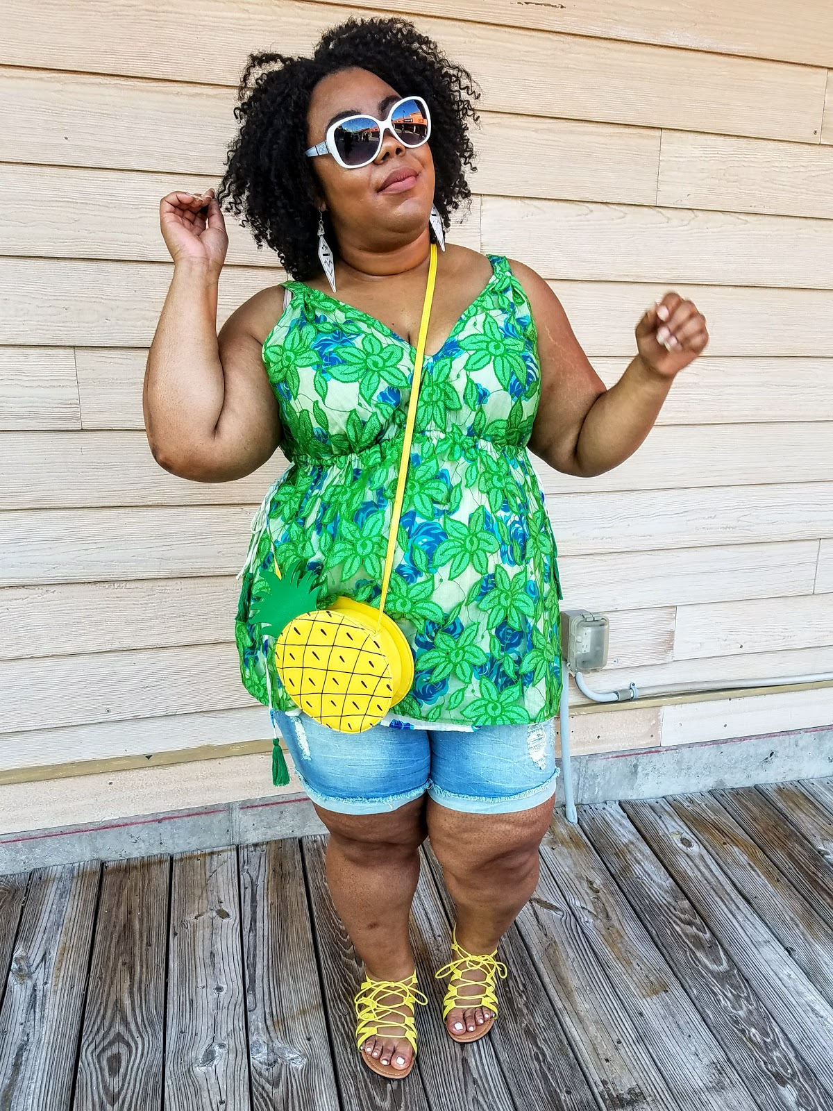 plus size, blogger, florals, shorts, sandals, crossbody purse, natural hair, bold makeup, natural hair, fashion sunglasses, Myrtle Beach (Broadway at the Beach)