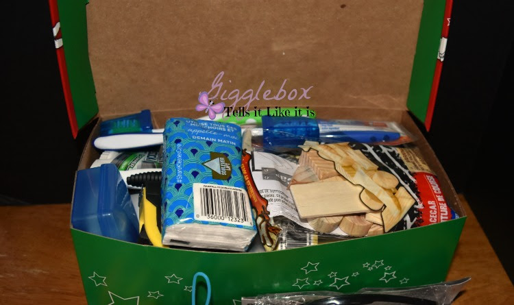 Operation Christmas Child 2015 - packing a 10-14 year old ...
