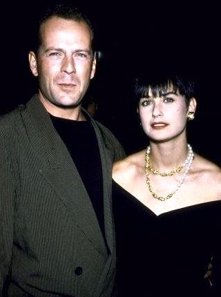 Foto de Demi Moore con flequillo con Bruce Willis