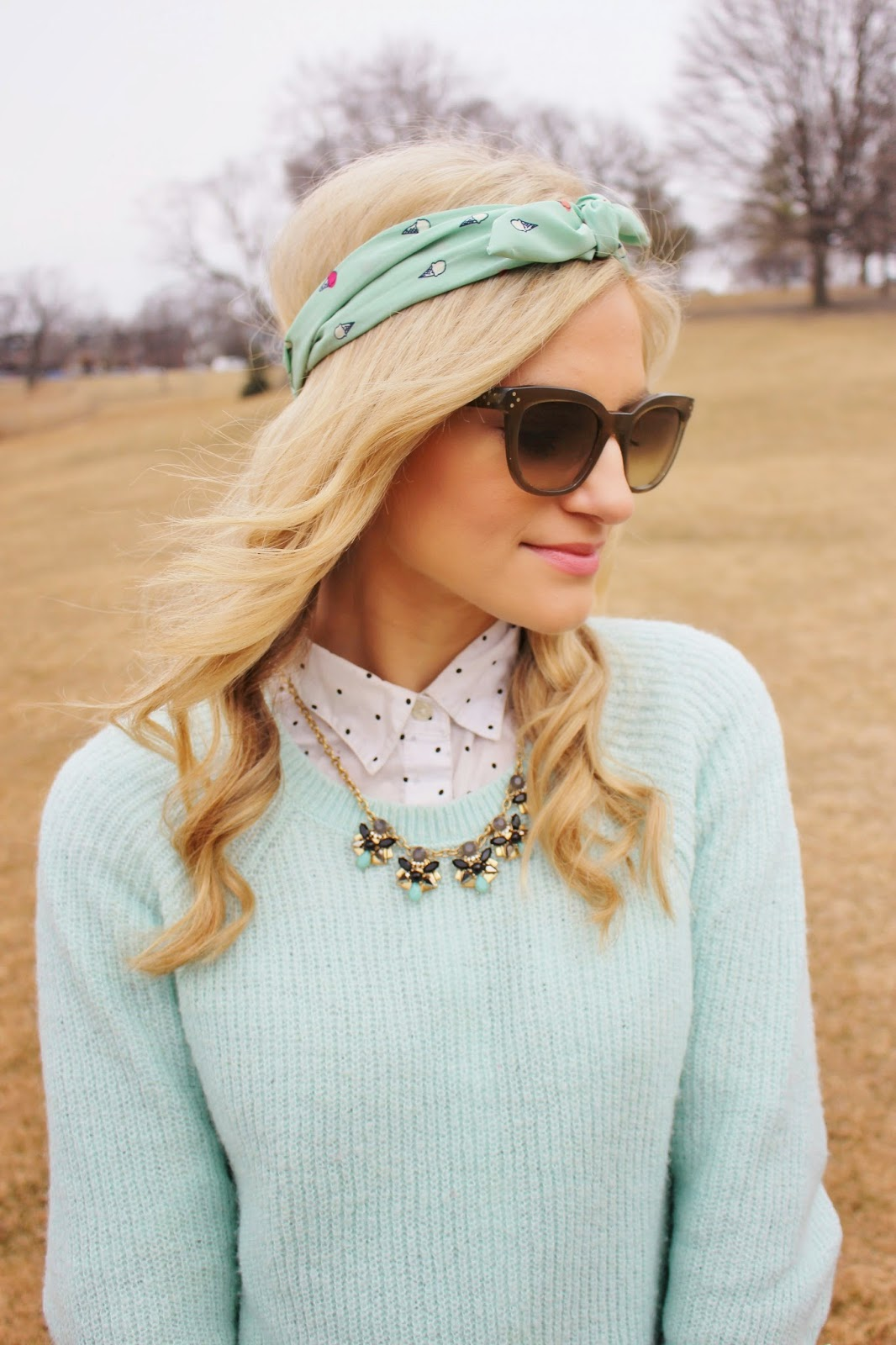 bijuleni - spring look with mint headband and sweater