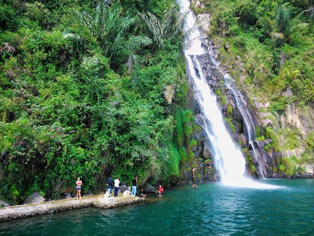 Air Terjun Binangalom