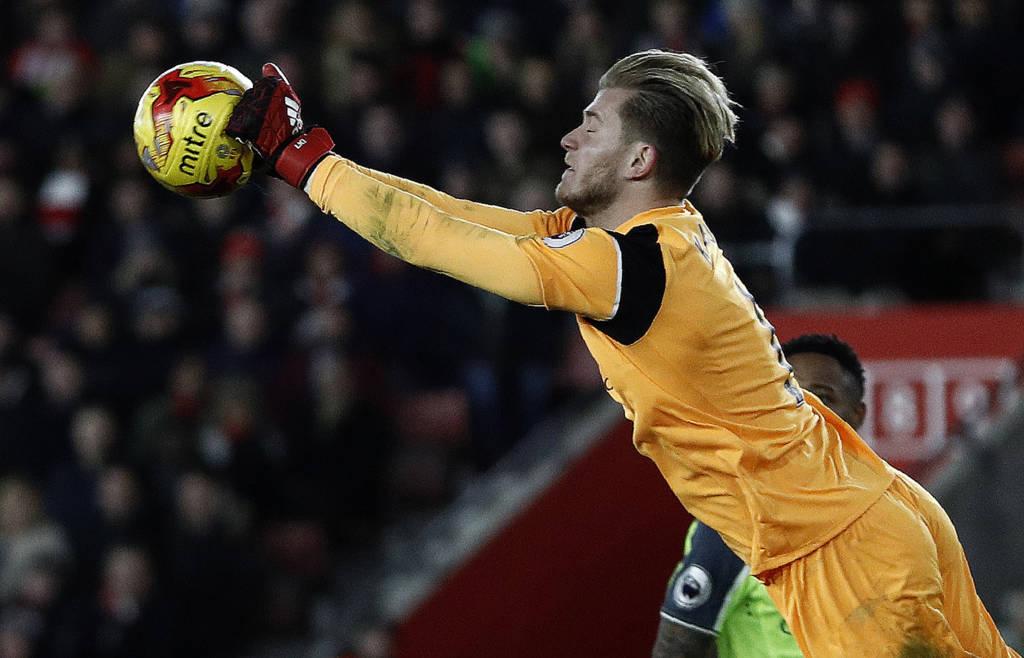 O goleiro Loris Karius evitou uma derrota ainda pior do Liverpool (Foto: AFP PHOTO / Adrian DENNIS)