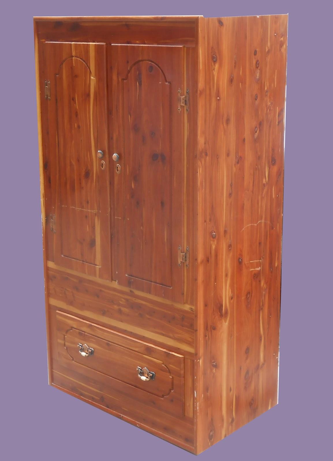 Cedar Closets 3 Nails 4 U Construction: Uhuru Furniture & Collectibles: Cedar Closet-SOLD