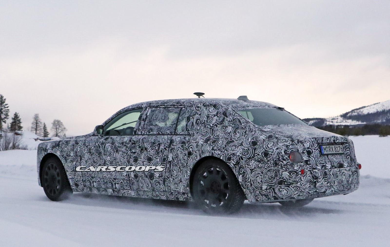 2018-Rolls-Royce-Phantom-8