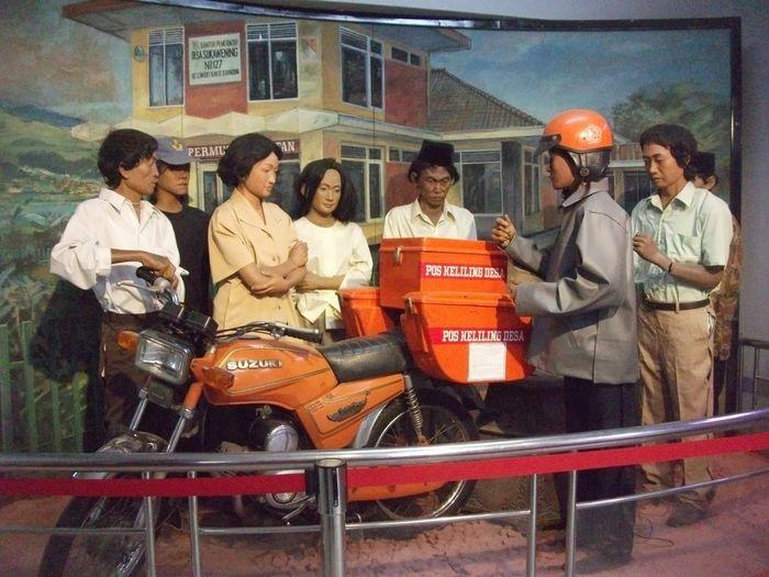 Suzuki A100, Suzuki Pertama di Indonesia