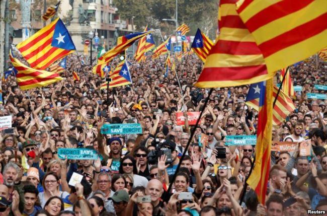 España además recortará los poderes del parlamento de Cataluña que hoy aprobó la