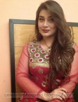 Beautiful Pakistani TV Actress Sarah Umair Hot HD Wallpapers & Photos