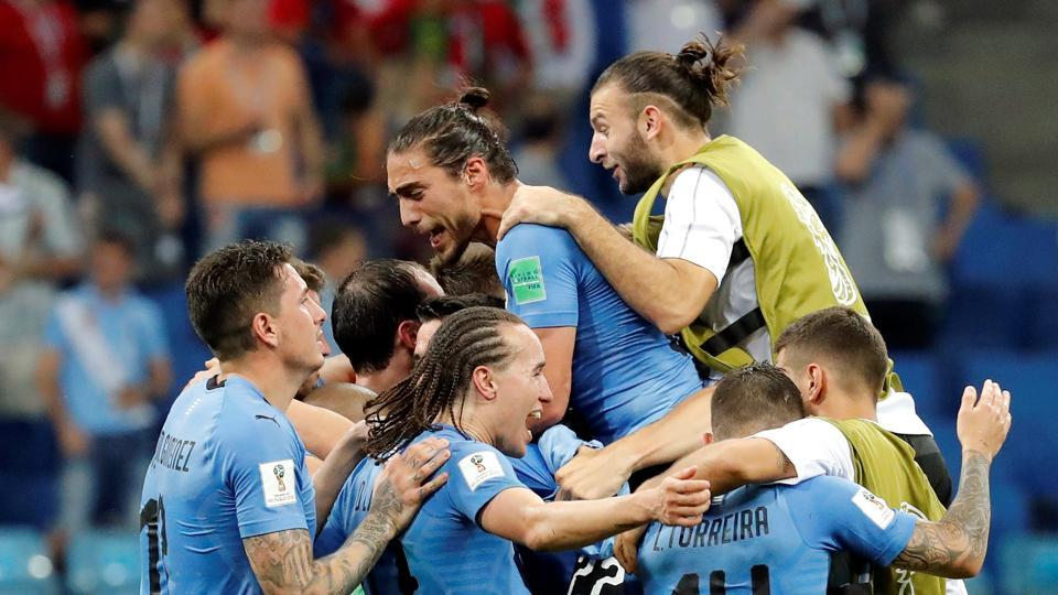 Uruguay beat Portugal 2-1