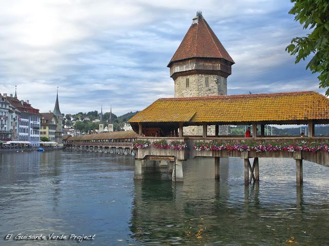 Kapellbrücke - Lucerna, por El Guisante Verde Project