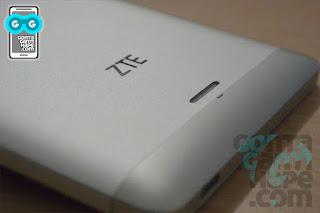 ZTE Blade A711 - loudspeaker terdapat di belakang di bawah logo ZTE