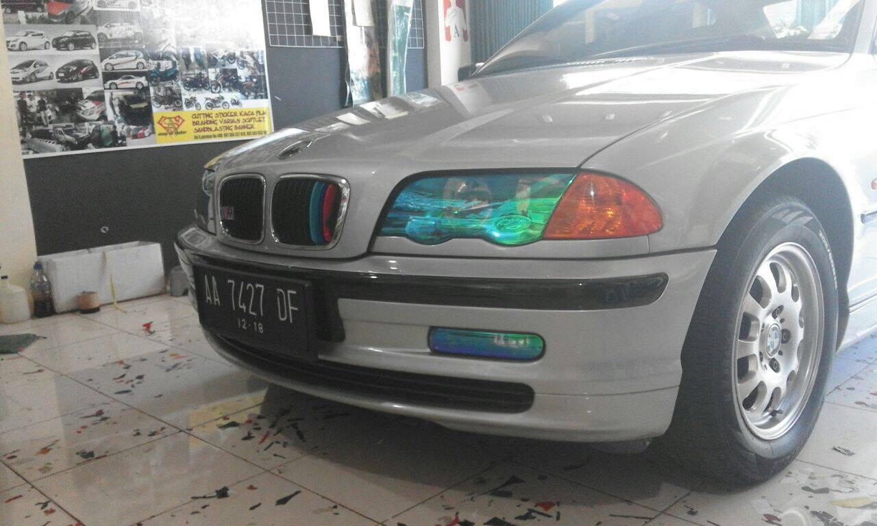 Untuk Cahaya Lampu Mobil Menjadi ...